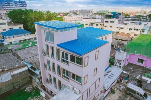 S.E.T Thanmongkol Residence impression