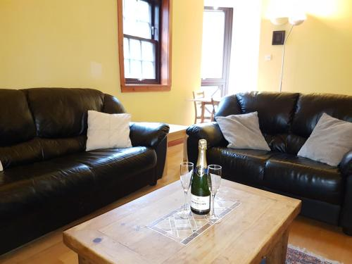 Lovely 2 bed in Dean Village with Private Parking photo 4