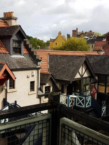 Lovely 2 bed in Dean Village with Private Parking photo 10