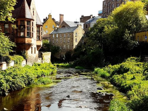 Lovely 2 bed in Dean Village with Private Parking photo 15
