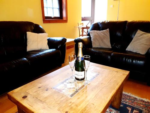 Lovely 2 bed in Dean Village with Private Parking photo 17