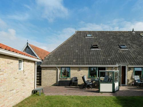 Hotel-overnachting met je hond in Spacious Apartment in Oosterend Terschelling Amidst Meadows - Oosterend