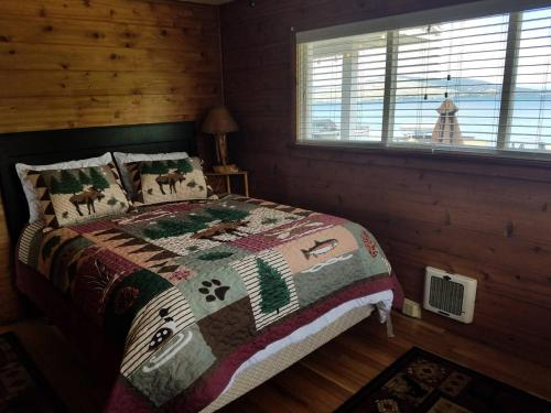 Lakes Edge Escape (lake Front Cabin) - Polson, MT 59860