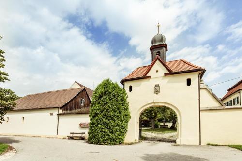 . Hotel & Reitsportzentrum Kreuth