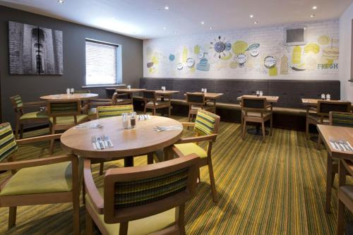 Premier Inn London Edgware photo 25