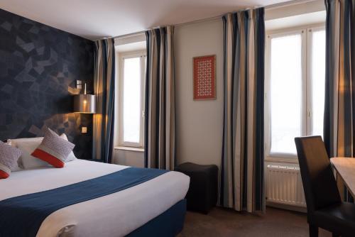 Hotel France Albion, Opera