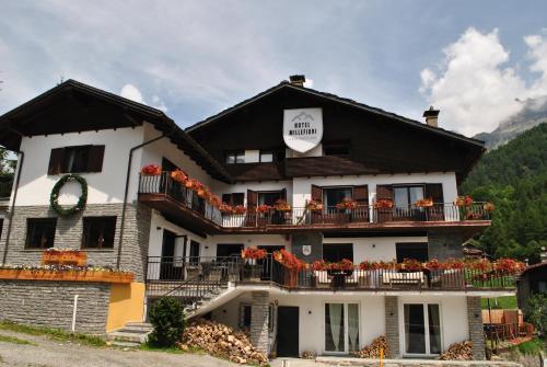 Hotell Millefiori- Alpine Event Lodge - Valtournenche