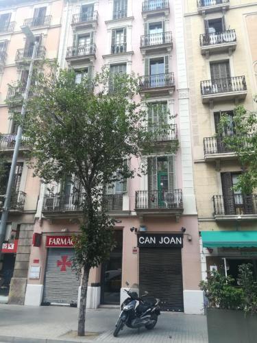 Romantic Barcelona Apartment room photos