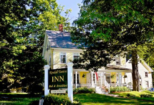 Kendall Tavern Inn Bed And Breakfast - Freeport, ME 04032
