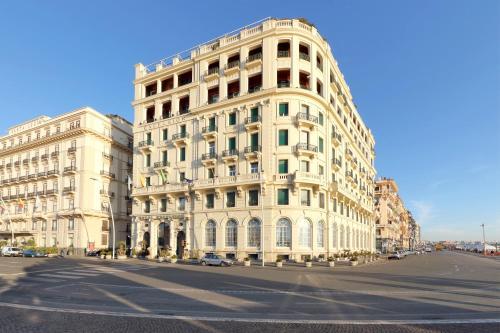 Via Partenope 48, Lungomare Caracciolo, 80121, Naples, Italy.