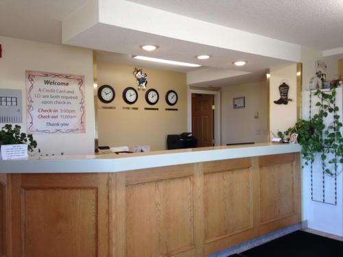 Western Budget Motel Peace River - Peace River, AB T8S 1M5