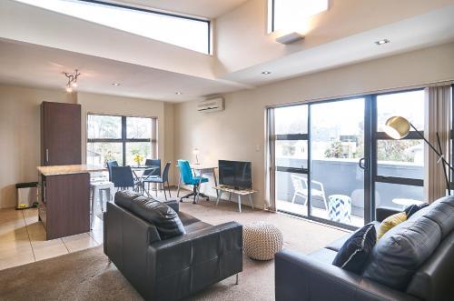. Carlton Penthouse - Christchurch Holiday Homes