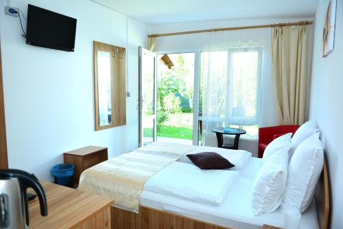 Dvoposteljna soba s teraso (Double Room with Terrace)