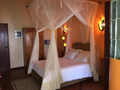 Catembe Gallery Hotel room photos