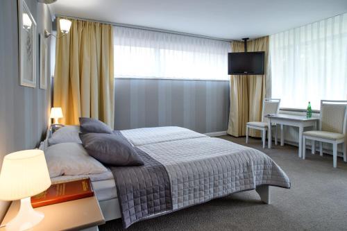 __{offers.Best_flights}__ Hotel Niedźwiadek