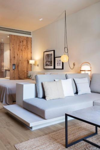 Junior Suite with Terrace Hotel Peralada Wine Spa & Golf 9