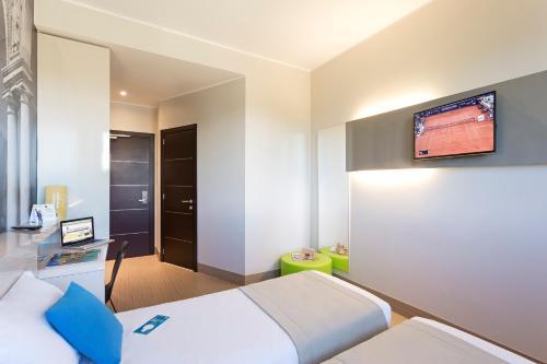 B B Hotel Milano Cenisio Garibaldi In Italy Room Deals Photos Reviews