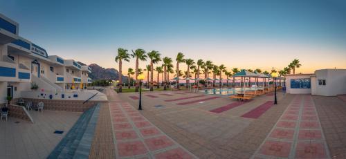 . Mammis Beach Hotel