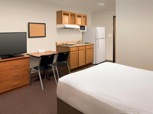 Woodspring Suites Evansville - Evansville, IN 47715