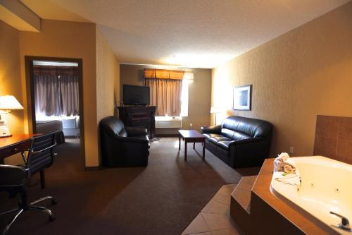 . Lakeview Inns & Suites - Fort Nelson