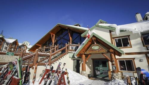 Lizard Creek Lodge - Accommodation - Fernie