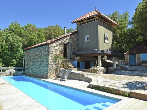 . Cozy Villa in Languedoc-Roussillon with Private Pool