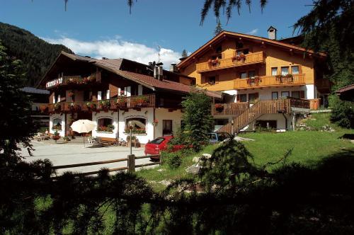 . Hotel Camoscio