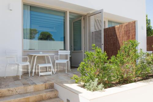 Superior Double Room with Garden View Hostal Spa Empúries 15