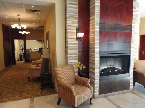 Days Inn by Wyndham Edmonton Downtown - Edmonton, AB T5J 1G3