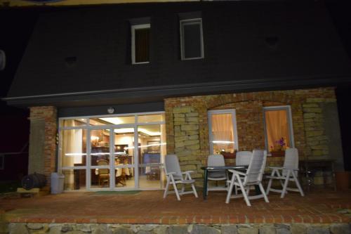 Lakatitsa Guest House - Photo 2 of 14