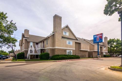 . Studio 6-Lubbock, TX