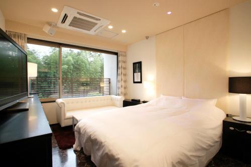 Hotel In The Mood, Kameoka
