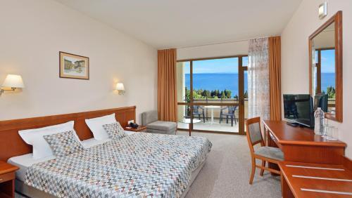 Sol Nessebar Bay All Inclusive Hotel Deals Photos Reviews