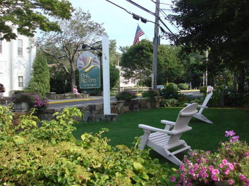 Pink Blossoms Resort - Ogunquit, ME 03907