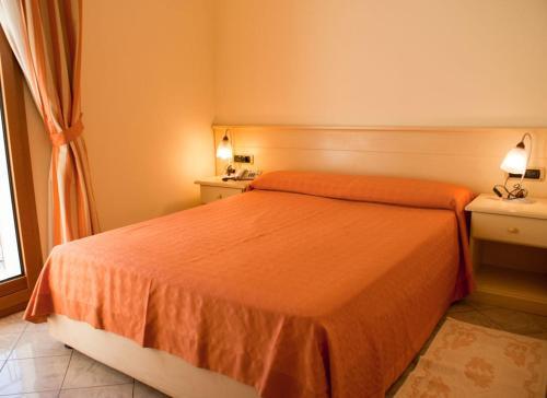 HotelHOTEL STELLA 2000