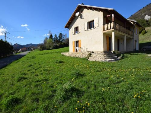 . Apartment in Lus-la-Croix-Haute with Mountain View