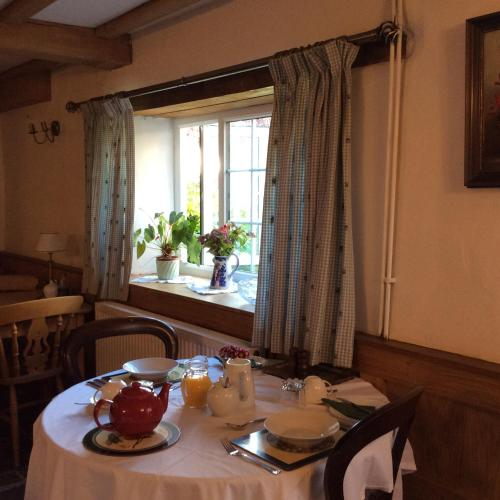 Brookover Farm (Bed and Breakfast)