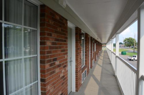 . Richland Inn - Lewisburg