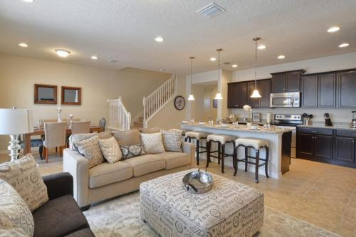 Five-bedroom Majorca Villa #1982 - Kissimmee, FL 34747