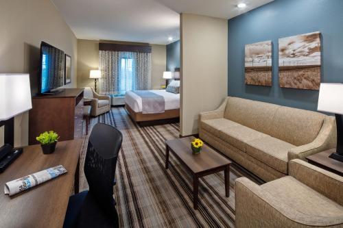 Best Western Plus Overland Inn - Fort Morgan, CO 80701