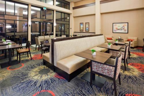 Homewood Suites by Hilton Minneapolis - Saint Louis Park at West End - Hotel - Saint Louis Park