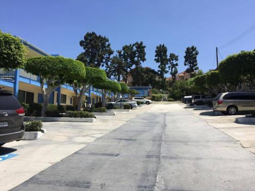 King Lodge Motel - Monterey Park, CA 91754