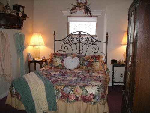 The Palm Hotel - Jamestown, CA 95327