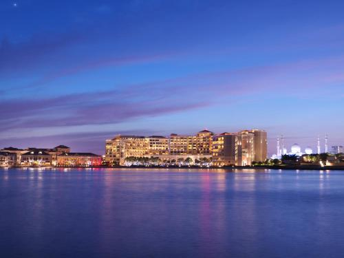 The Ritz-Carlton Abu Dhabi, Grand Canal photo 52