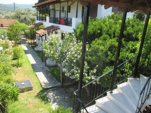 . Apartments Elena & Marios