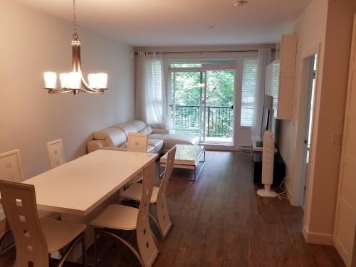 2 Bedroom Suite Apartment