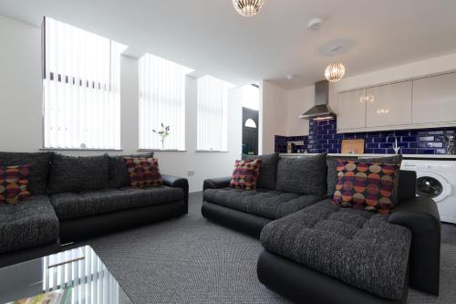 . Smithfield Apartments - Self Contained - Onsite Parking