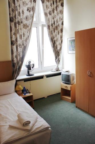 Hotel-Pension Rheingold am Kurfürstendamm photo 45