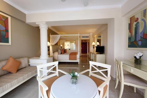 Luxury Bahia Principe Runaway Bay - Adults Only