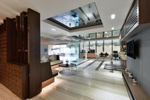 Ten Ekamai Suites by Aspira photo 14